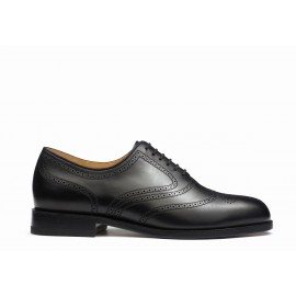 One cut oxford shoe with perforated tip